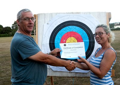 Kevin Presenting Nicky Gardner With Archery Beginners Course Certificate 001